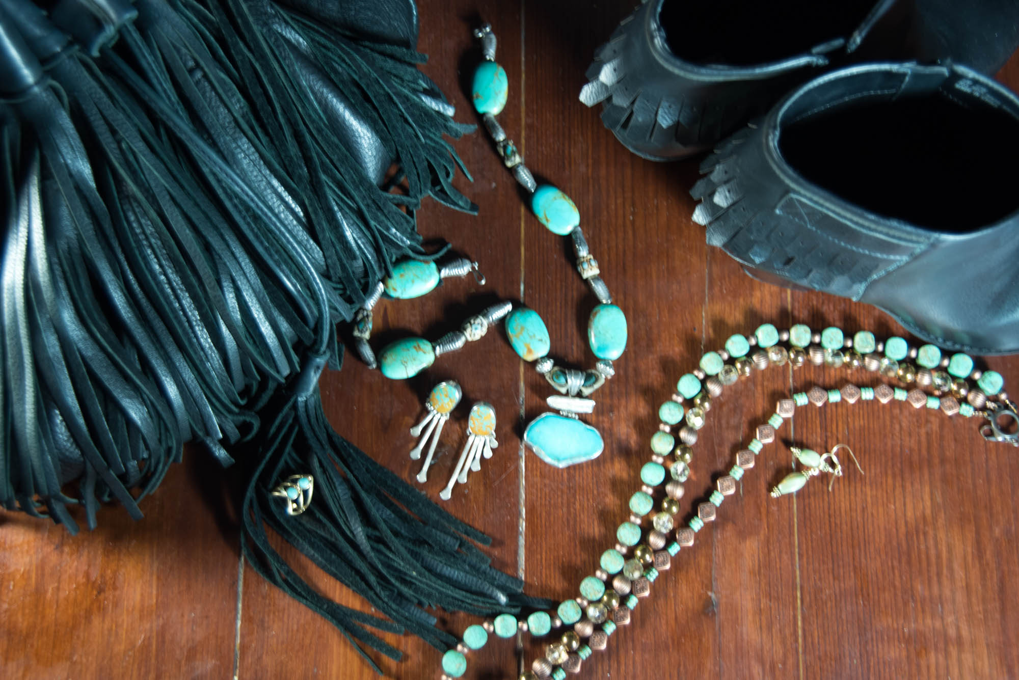 modern ways to wear turquoise jewelry