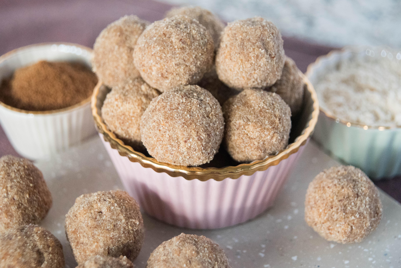 paleo pumpkin spice cake balls