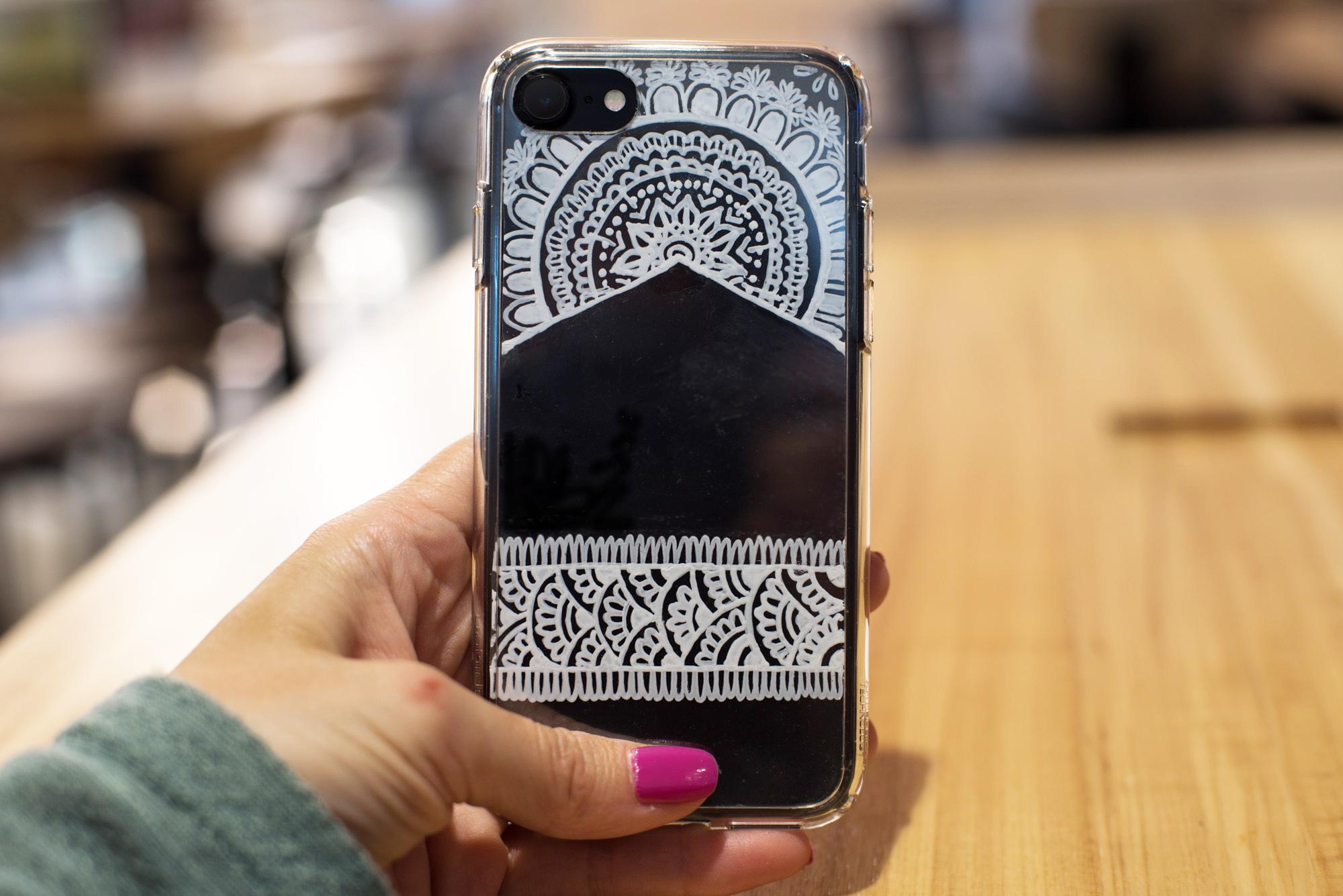 henna phone case